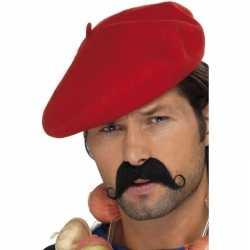 Franse hoedjes rode baret