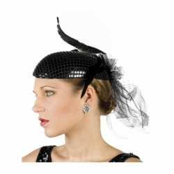 Glimmende zwart hoedje veren