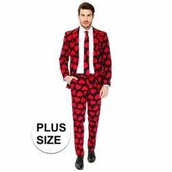 Grote maten heren verkleed pak/kleding rode hartjes afgebeeld