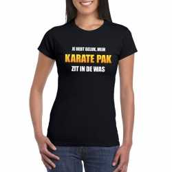 Karatepak zit in de was dames carnavals t shirt zwart