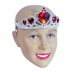Zilveren kroontjes rode stenen